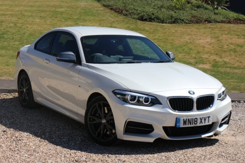 BMW 2 Series 3.0 M240i Coupe Coupe Petrol White