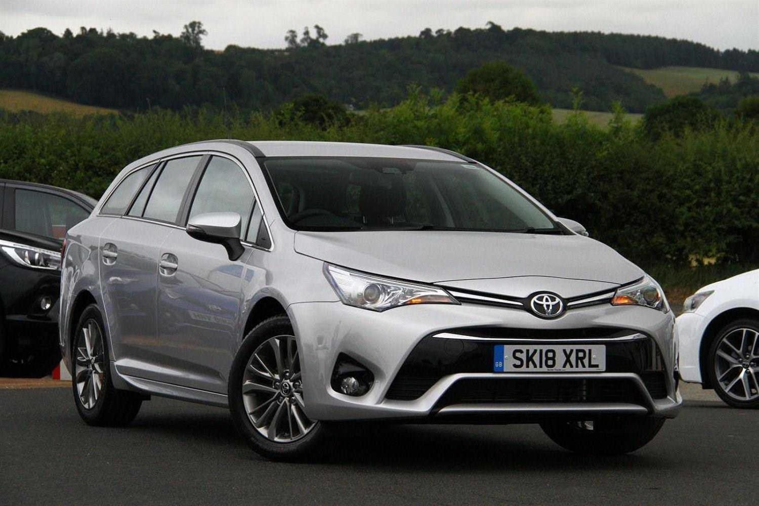 Toyota Avensis 1.6 D-4D Business Edition Estate Diesel Silver