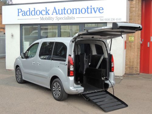 Peugeot Partner Tepee 1.6 e-HDi Automatic Drive From and Ride Up Wheelchair Accessible Vehicle WAV Wheelchair Adapted Diesel Silver Mica