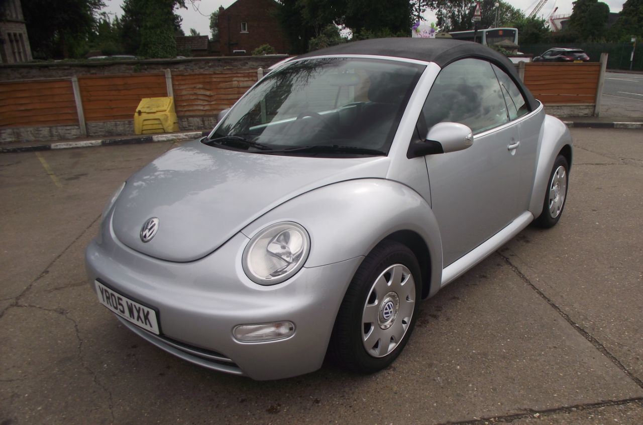 Volkswagen Beetle 1.6 2dr Convertible Petrol Silver