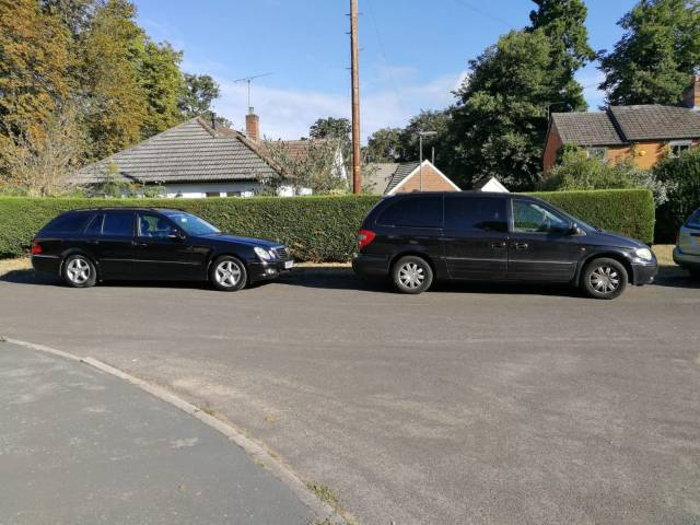 Chrysler Voyager 3.3 GRAND LIMITED MPV Petrol Black