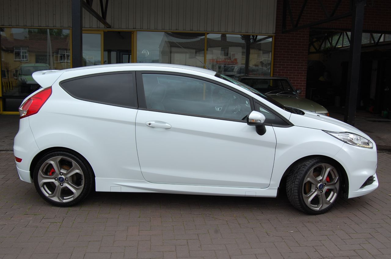 2014 Ford Fiesta 1.6 EcoBoost ST-2 3dr Low Mileage 6 MONTH  WARRANTY INCLUDED WHEN SOLD AT SCREEN PRICE ON THIS CAR