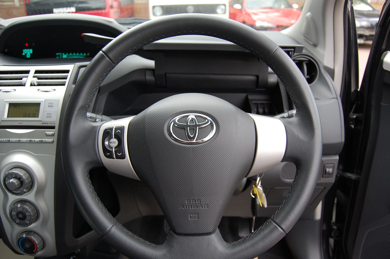2007 Toyota Yaris 1.3 VVT-i TR 3dr 5 Seed Manual # NOW SOLD #