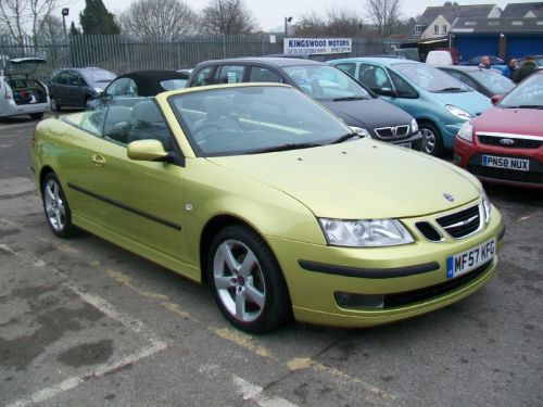 Saab 9-3 2.0 Vector Convertible Petrol Yellow