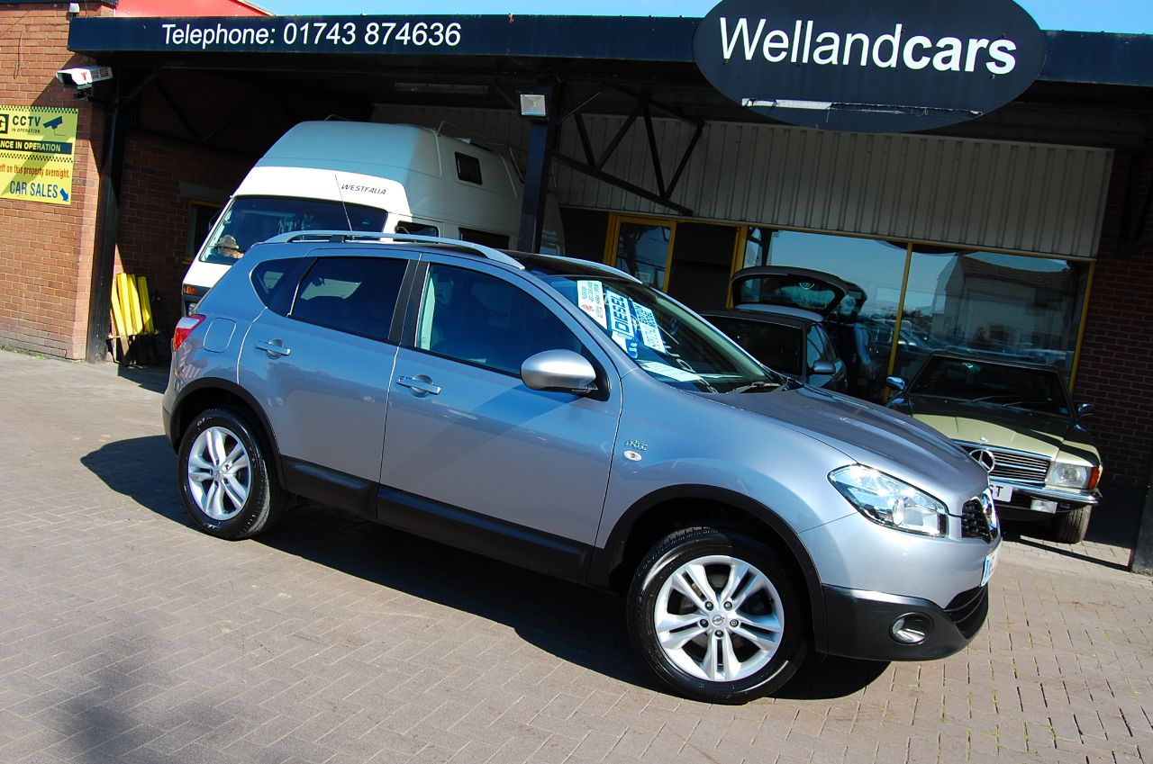 Nissan Qashqai 1.5 dCi N-Tec 5dr Touch Screen Navigation Panoramic Roof # DEPOSIT TAKEN # Hatchback Diesel Grey at Welland Cars Shrewsbury