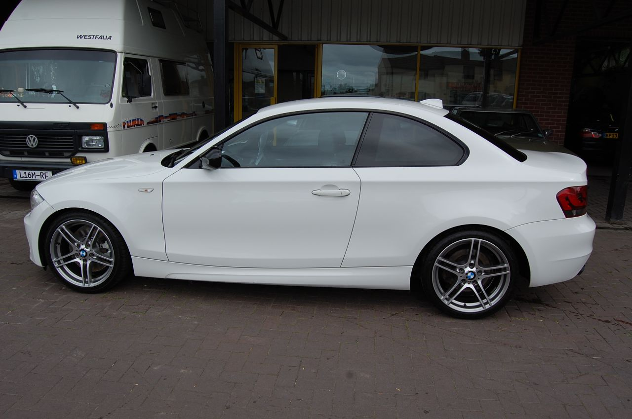 2013 BMW 1 Series 2.0 123d M Sport Plus Edition Coupe 2dr 1 Former Keeper Full BMW Service History