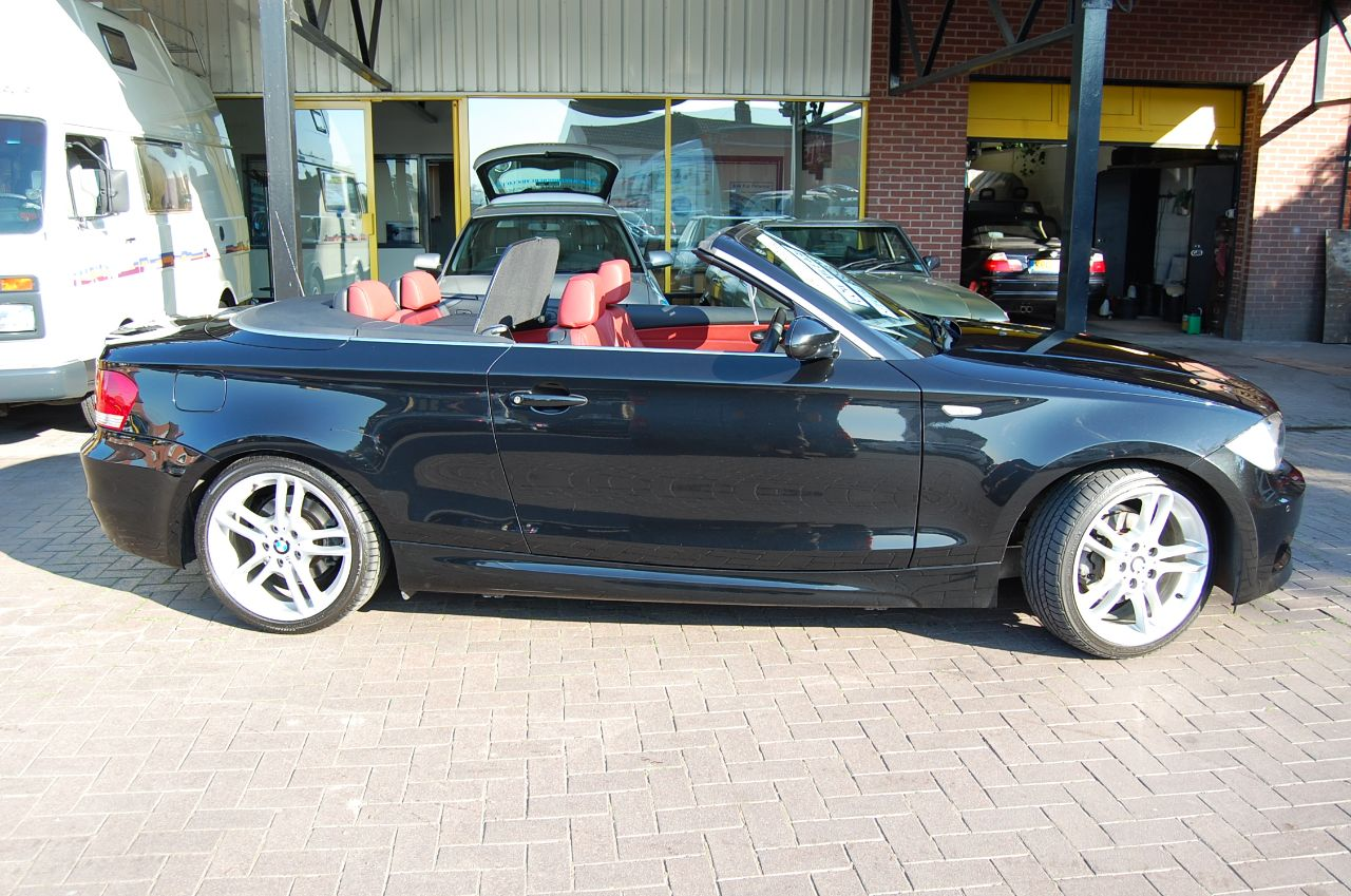 2009 BMW 1 Series 2.0 BMW 118i M Sport Convertible 1 Lady Owner Full BMW Service History ONLY 29,000 Miles Red Leather