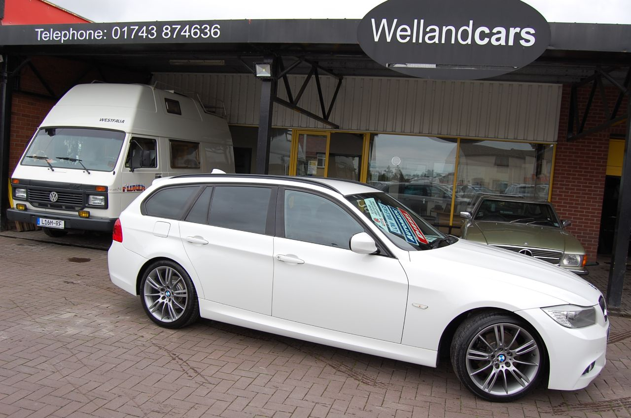 BMW 3 Series 2.0 318d SPORT PLUS EDITION TOURING AUTO VERY LOW MILES ONLY 38K FSH Estate Diesel Alpine White at Welland Cars Shrewsbury