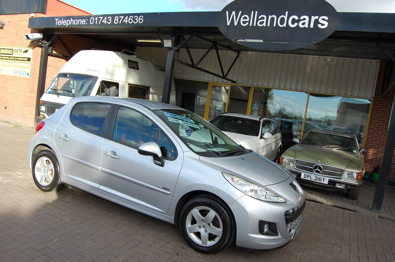 Peugeot 207 1.4 HDI SPOTIUM 5 SPEED MANUAL £20 A YEAR ROAD TAX ONE OWNER SERVICE HISTORY Hatchback Diesel Reflex Silver at Welland Cars Shrewsbury