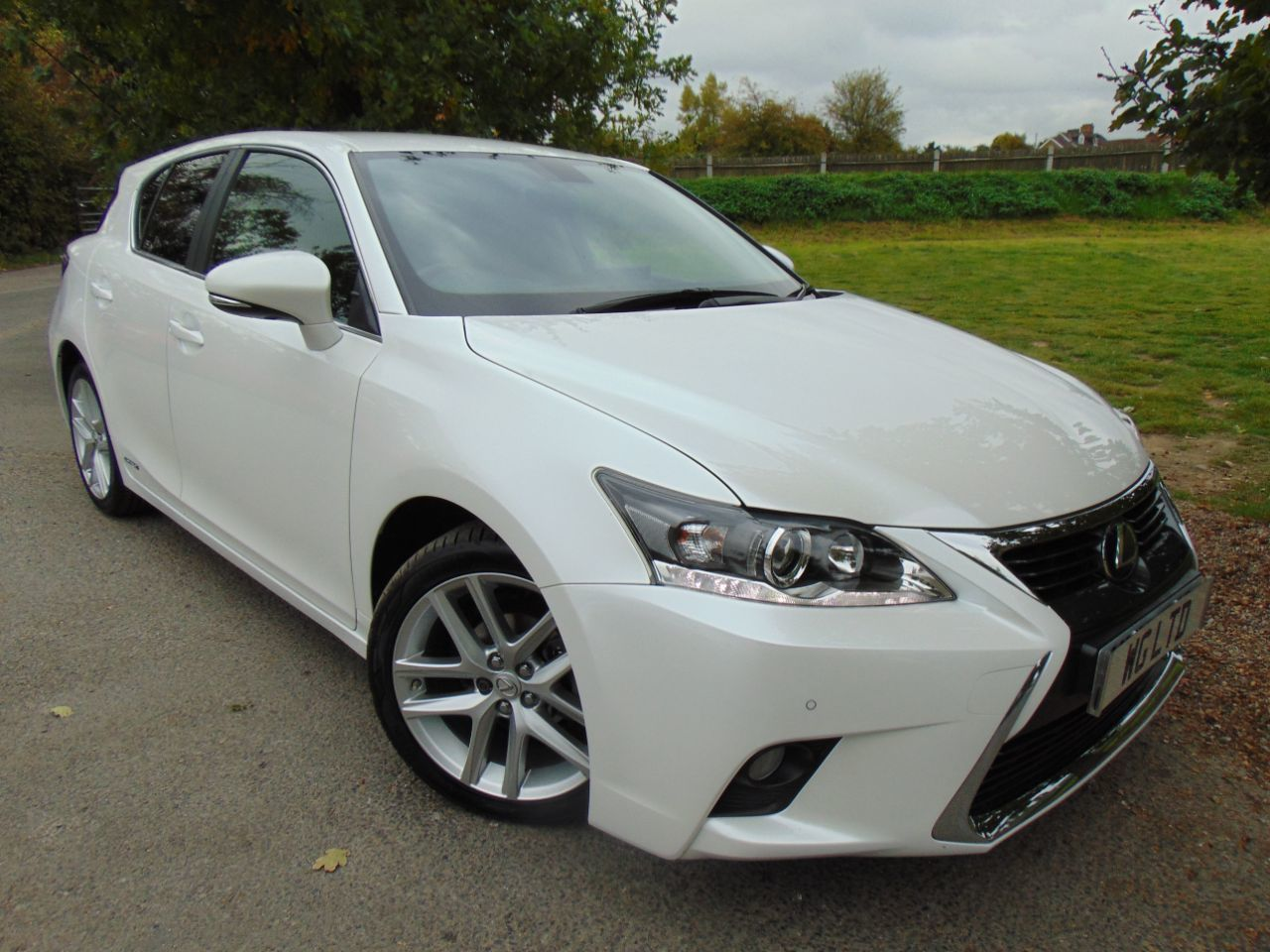 Lexus CT 200h 1.8 Advance 5dr CVT Auto (1 Owner! Nav! Heated Seats! +++) Hatchback Petrol / Electric Hybrid White