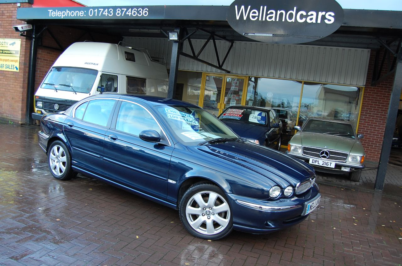 Jaguar X-Type 2.0d SE DOOR SALOON 1 FORMER KEEPER FULL SERVICE HISTORY LOW MILEAGE ONLY 50K Saloon Diesel Blue at Welland Cars Shrewsbury