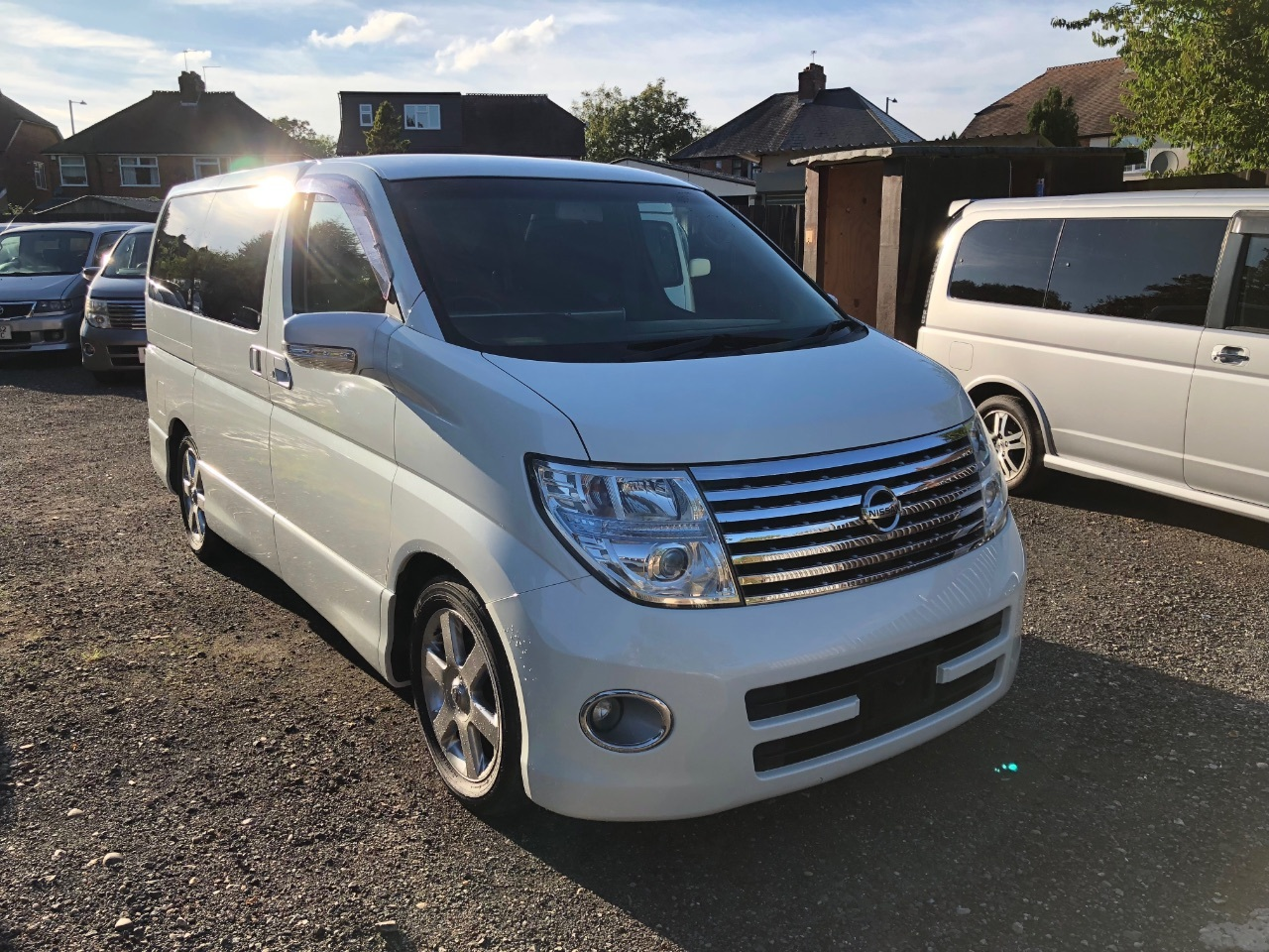 Nissan Elgrand 3.5 V.6 auto petrol homy highway star 4wd mpv 8seater fresh import Four Wheel Drive Petrol White