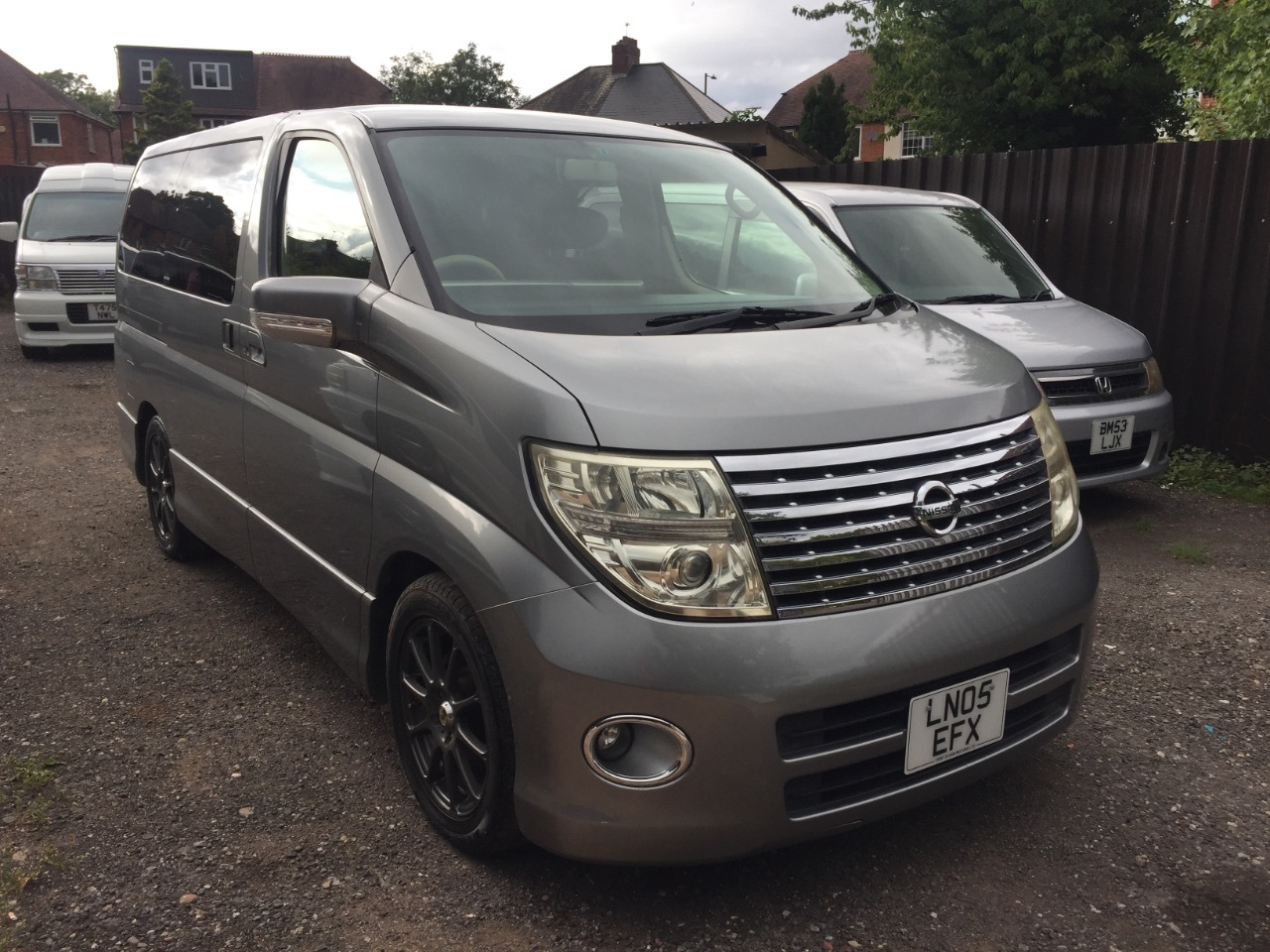 Nissan Elgrand 2.5 V6 petrol homy highway star MPV 8 seater fresh import MPV Petrol Grey