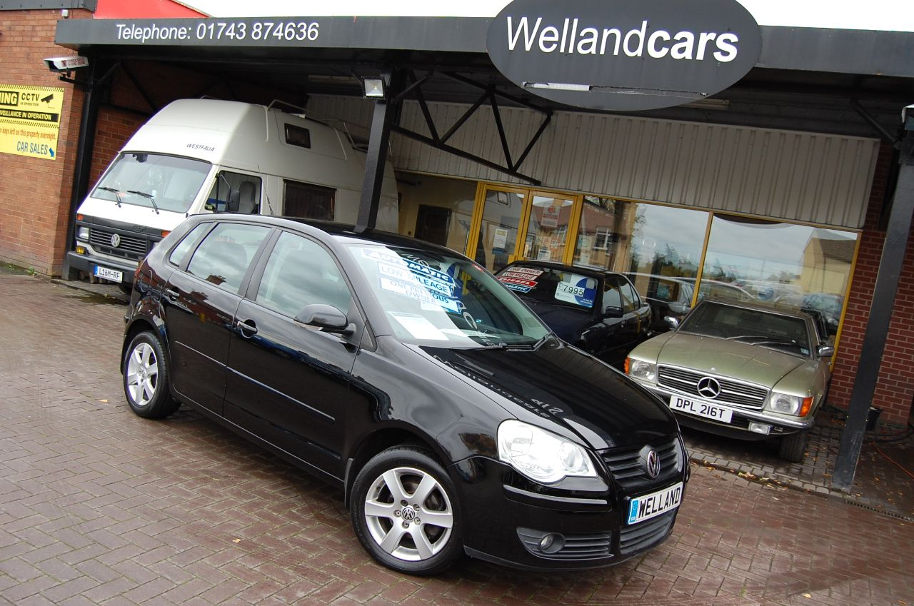 Volkswagen Polo 1.4 MATCH 80 5 DOOR AUTO LOW MILEAGE 1 FORMER KEEPER SERVICE HISTORY Hatchback Petrol Black at Welland Cars Shrewsbury