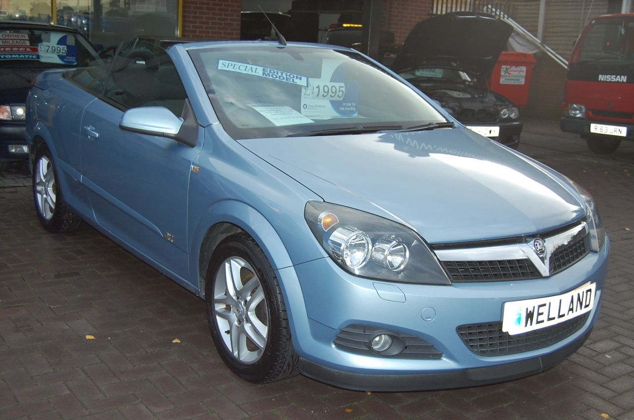 2007 Vauxhall Astra 1.6 16V SPORT 2 DOOR CONVERTIBLE LOW MILEAGE SERVICE HISTORY