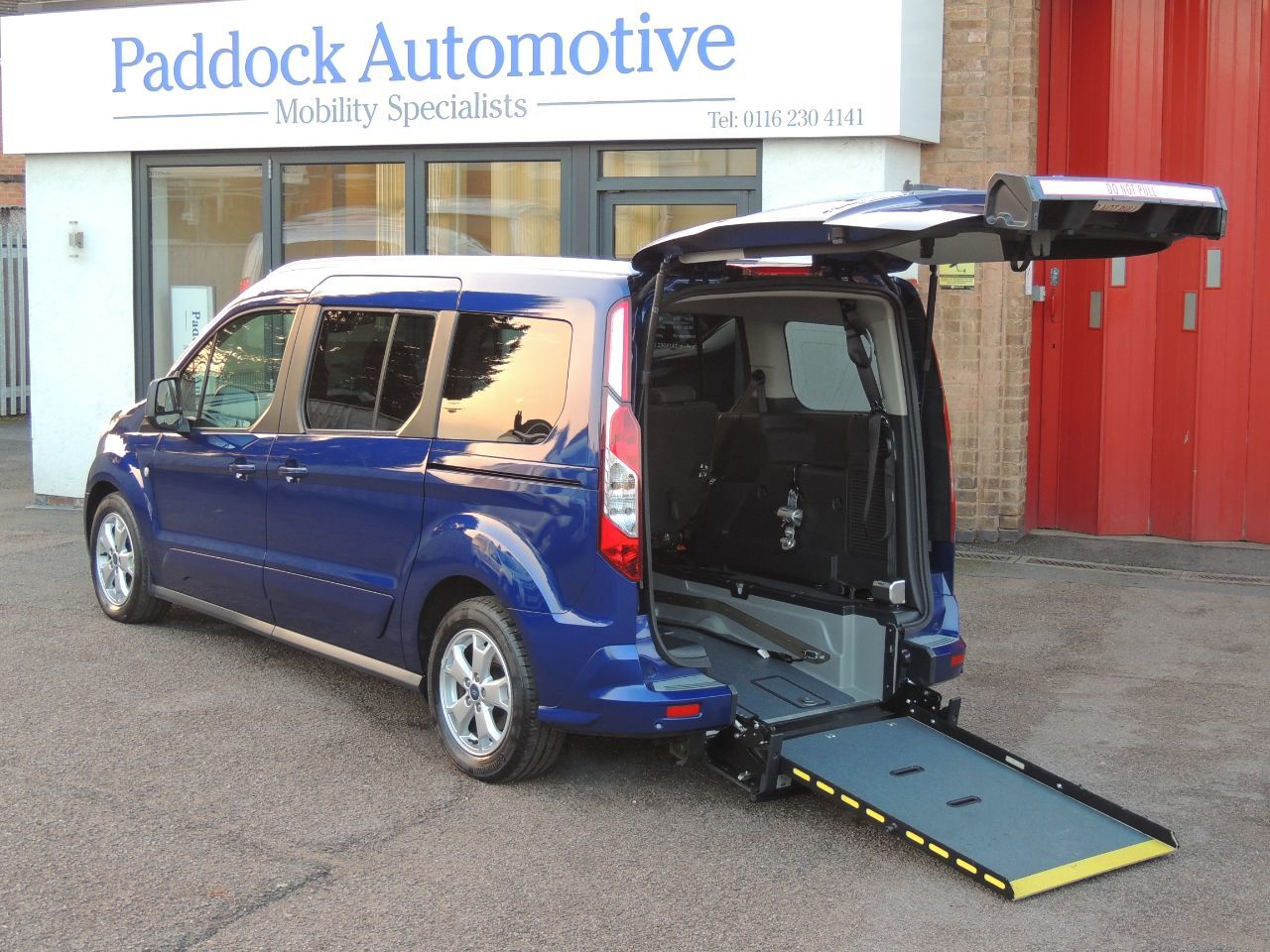 Ford Grand Tourneo Connect 1.5 TDCi 120 Titanium Powershift Disabled Wheelchair Adapted Vehicle WAV Wheelchair Adapted Diesel Chrome Blue Mica
