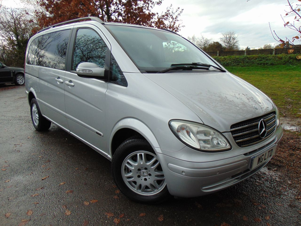 Mercedes-Benz Viano 2.2 CDI Ambiente 5dr [150] Tip Auto (Privacy Glass! Electric Doors! ++) MPV Diesel Silver