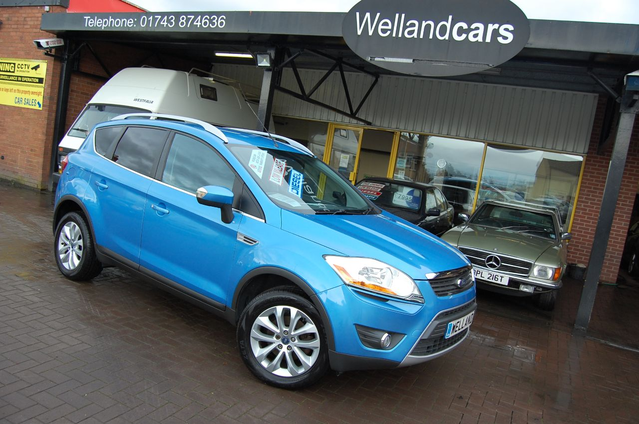 Ford Kuga 2.0 TDCi TITANIUM 5 DOOR 6 SPEED LOW MILEAGE Estate Diesel Blue at Welland Cars Shrewsbury