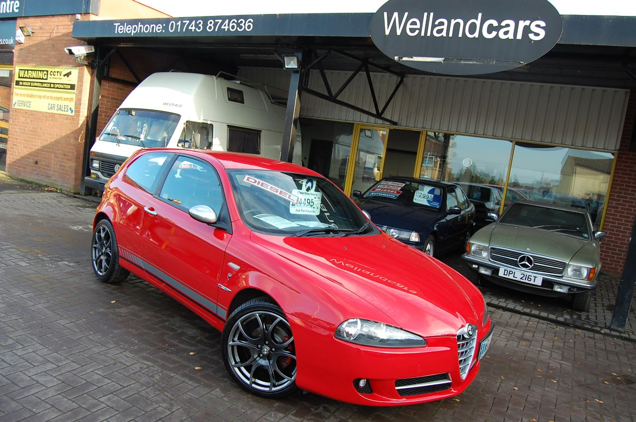 Alfa Romeo 147 1.9 JTDM 16V DUCATI CORSE Q2 3 DOOR 6 SPEED RARE LIMITED EDITION Hatchback Diesel Red at Welland Cars Shrewsbury