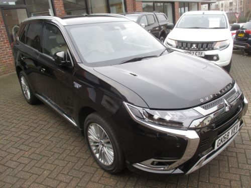Mitsubishi Outlander 2.4 PHEV 5hs 5dr Auto Estate Petrol / Electric Hybrid Black