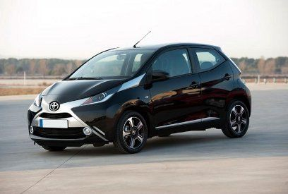 2014 renault twingo vs 2014 toyota aygo. Black Bedroom Furniture Sets. Home Design Ideas