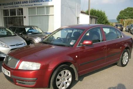 2005 Skoda Superb 1.9 TDI PD 130 Comfort 4dr £2,995