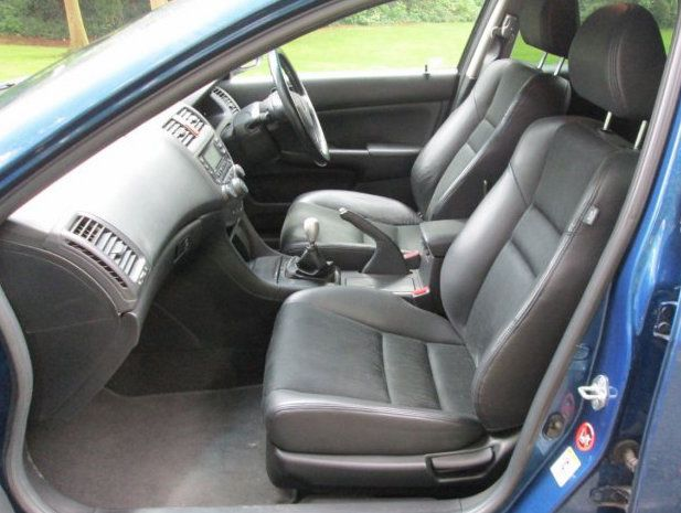 Honda Accord tourer cabin