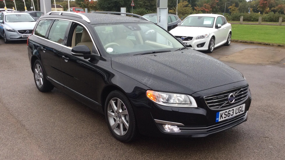 Volvo V70 0.0 D5 (215) SE Lux 5dr Geartronic with Winter and Dri