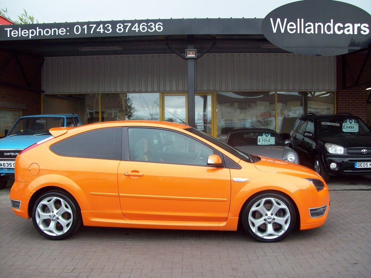 Ford Focus 2.5 ST-2 3dr 6 Speed Manual, 1 Previous Owner, F/S/H (7 Stamps) A/C, Recaro Seats. Hatchback Petrol Orange at Welland Cars Shrewsbury