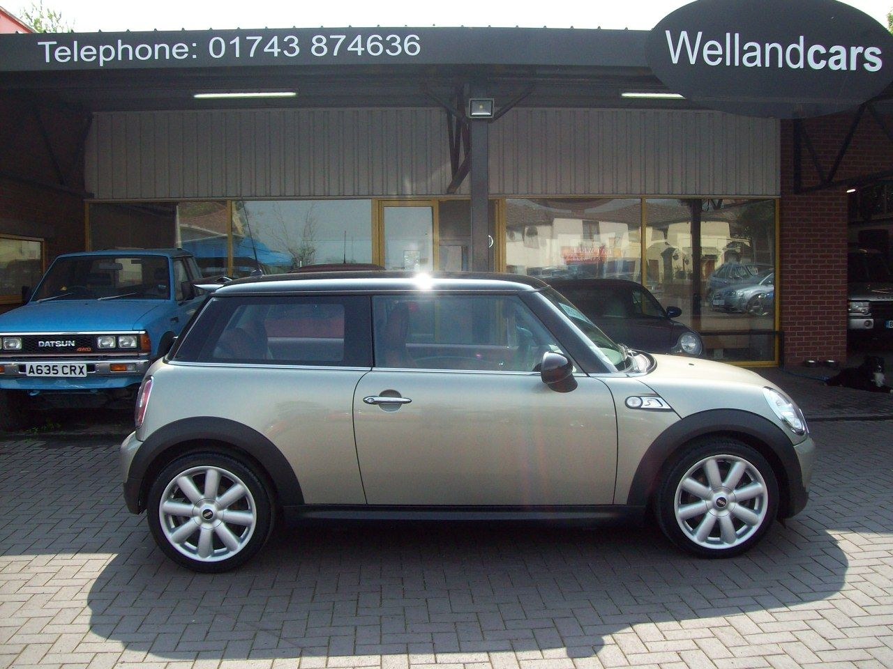 Mini Hatchback 1.6 Cooper S 3dr Chili Pack, Special Edition, 17` Alloys, Red Leather, Rear PDC, F/S/H Hatchback Petrol Champagne Silver at Welland Cars Shrewsbury