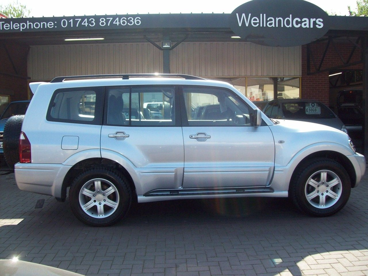 Mitsubishi Shogun 3.2  Di-D Warrior 5dr Auto LWB, 7 Seats, Full Leather, A/C, Towpack, 1 Previous Owner Estate Diesel Silver at Welland Cars Shrewsbury
