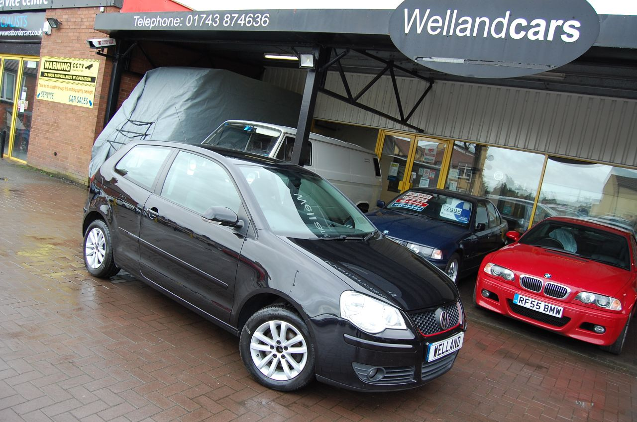 Volkswagen Polo POLO 1.2 S 3 DOOR 5 SPEED MANUAL IDEAL FIRST CAR LOW TAX AND INSURANCE Hatchback Petrol Black at Welland Cars Shrewsbury