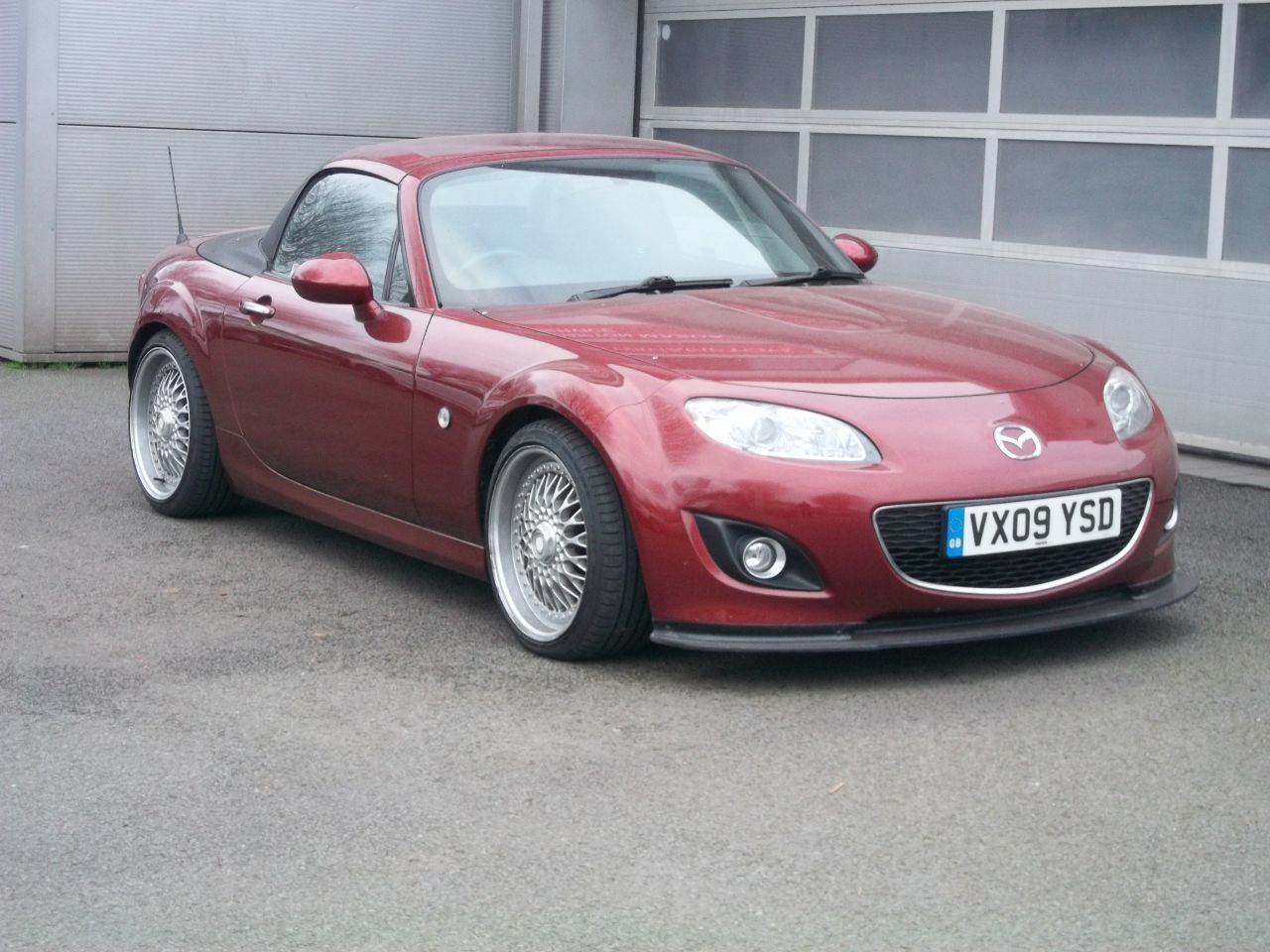 Mazda MX-5 2.0i Sport Tech 2dr Convertible Petrol Red