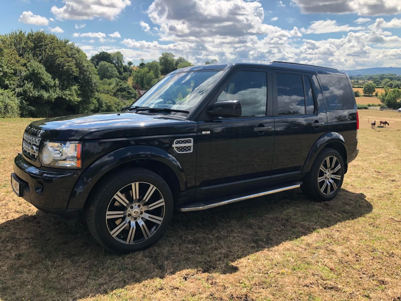 Land Rover Discovery 3.0 SDV6 255 HSE 5dr Auto Estate Diesel Black