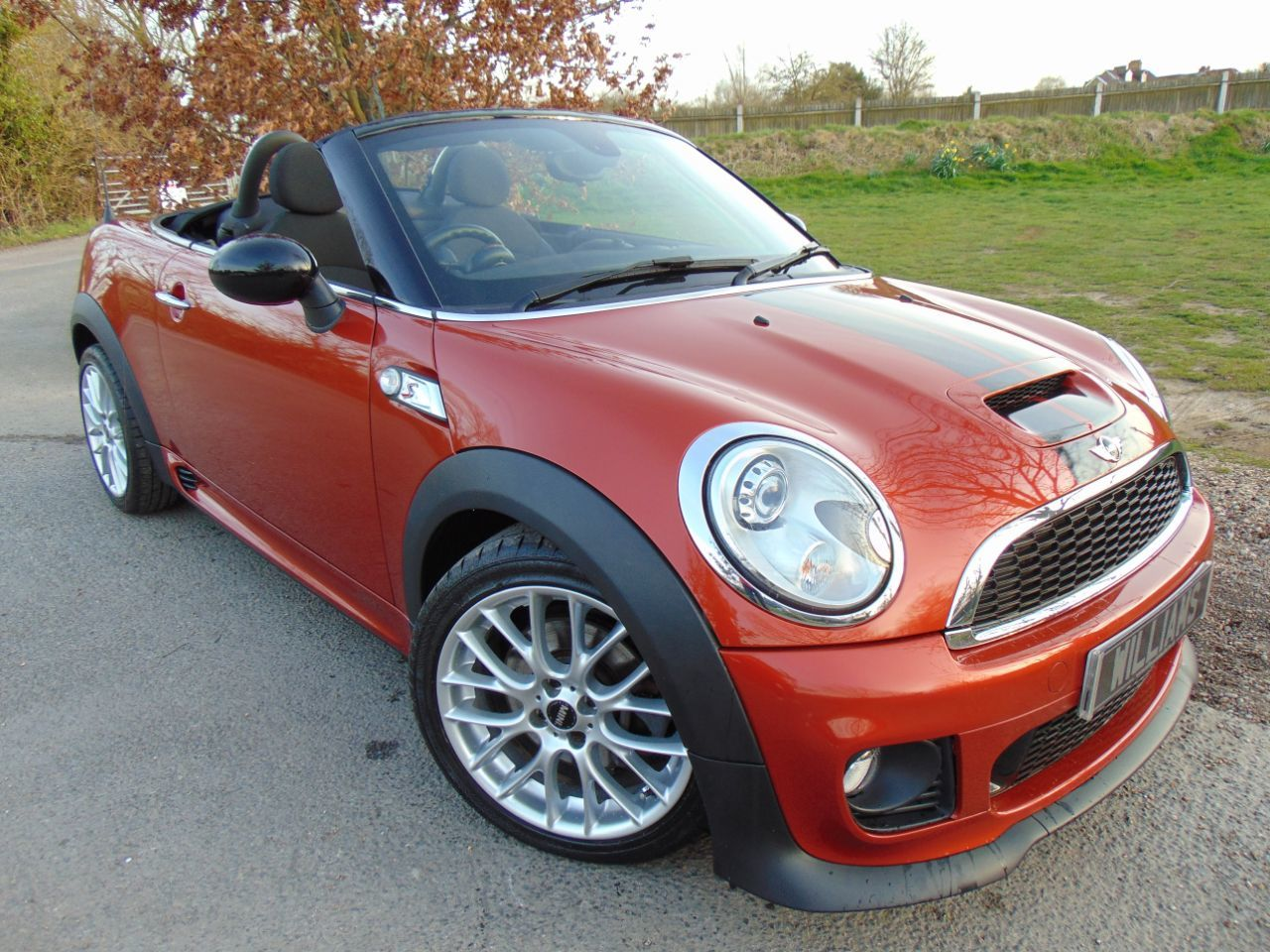 Mini Roadster 1.6 Cooper S 2dr Auto (Low Miles! Sport+Vision Pack! +) Convertible Petrol Spice Orange Metallic