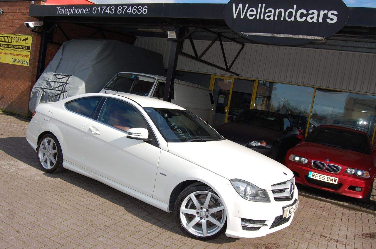 Mercedes-Benz C Class 2.1 C220 CDI AMG SPORT AUTO BLUE EFFICIENCY 1 FORMER KEEPER FULLY LOADED Coupe Diesel White at Welland Cars Shrewsbury