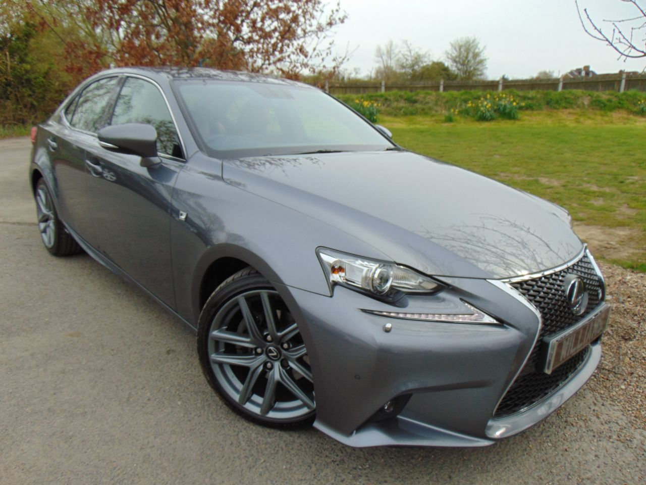Lexus IS 2.5 300h F-Sport 4dr CVT Auto (Heated and Vented Seats! FLSH! ++) Saloon Petrol / Electric Hybrid Grey