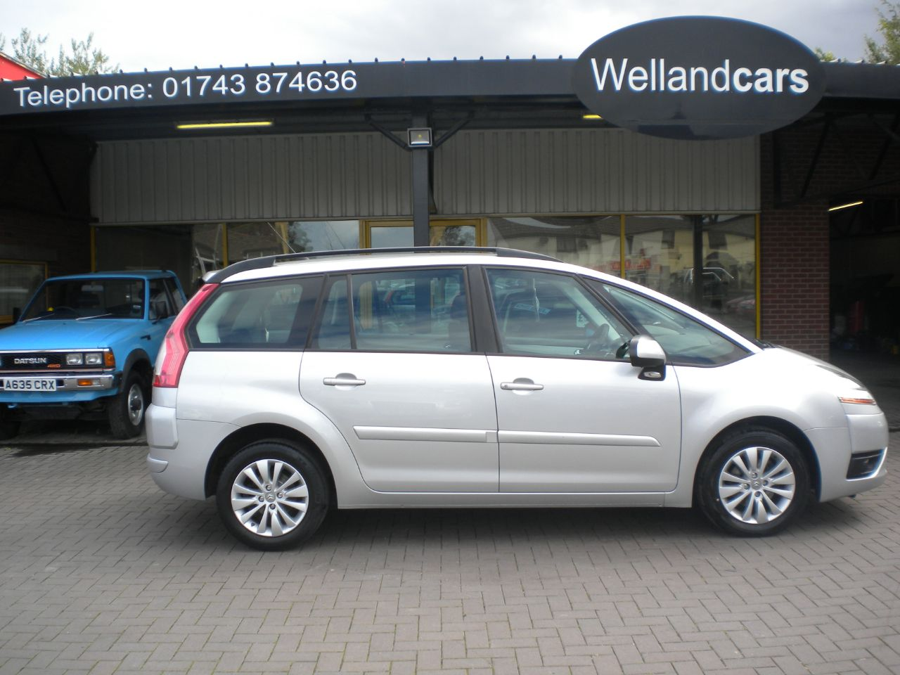 Citroen C4 Grand Picasso 1.6HDi 16V VTR Plus 5dr EGS Automatic diesel, 7 seat, A/C, Towpack, Very economical mpv to run ! MPV Diesel Silver at Welland Cars Shrewsbury