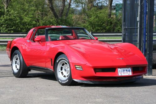 Chevrolet Corvette 5.7 1980 V8 Auto T-Top Coupe Coupe Petrol Bright Red