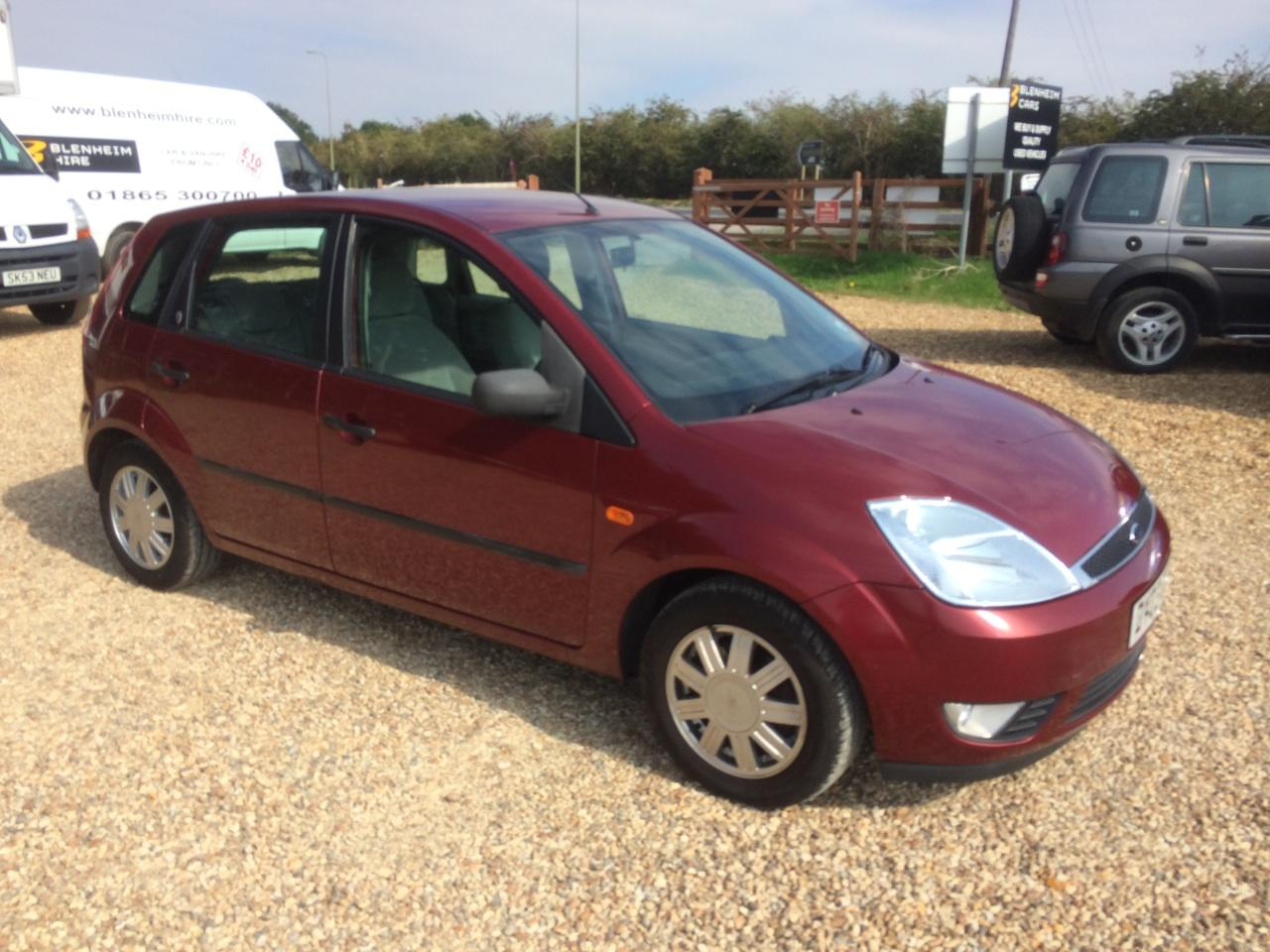 Ford Fiesta 1.4 GHIA 5DR AUTO LONG MOT LOW MILEAGE RELIABLE CAR Hatchback Petrol Red