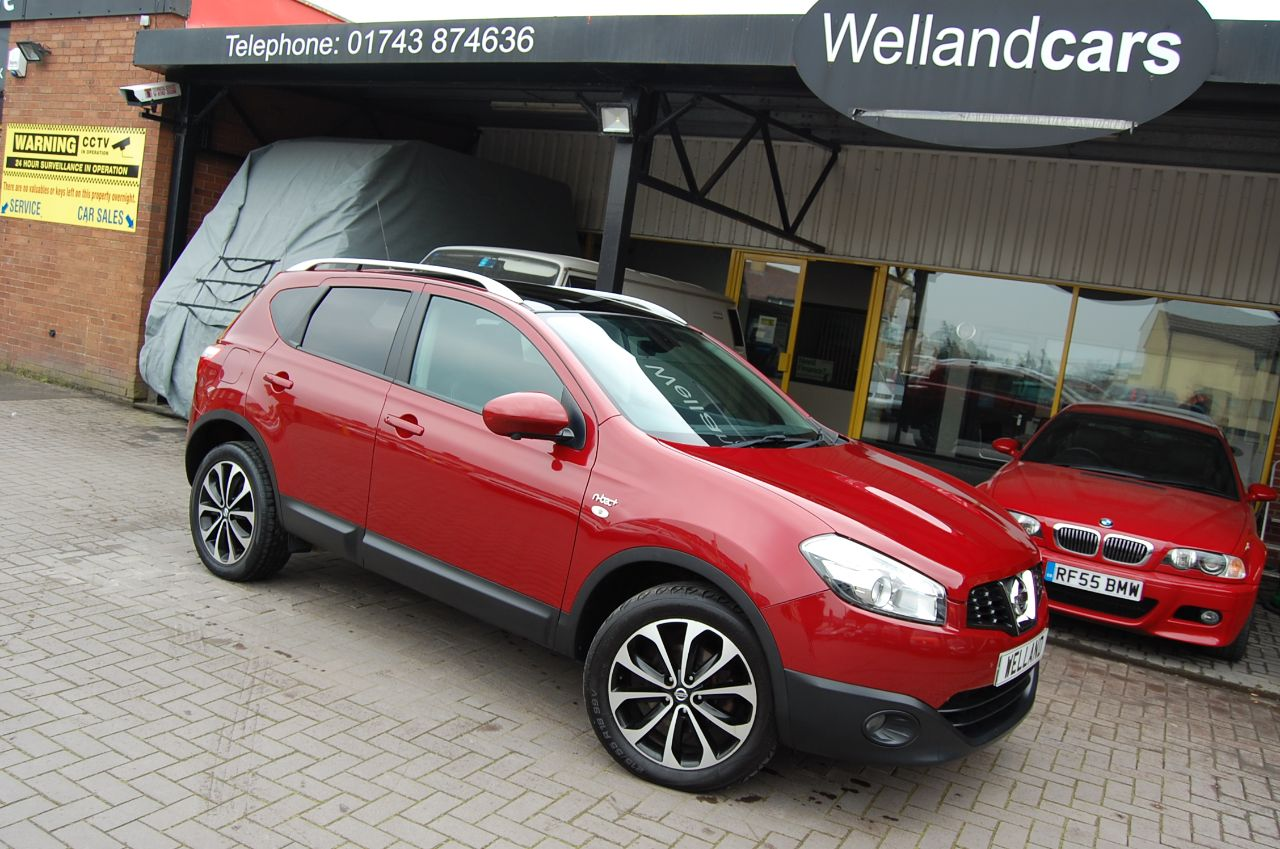 Nissan Qashqai 2.0 N TEC + DCI 4x4 AUTOMATIC 1 FORMER KEEPER ONLY 33,000 MILES Hatchback Diesel Red at Welland Cars Shrewsbury