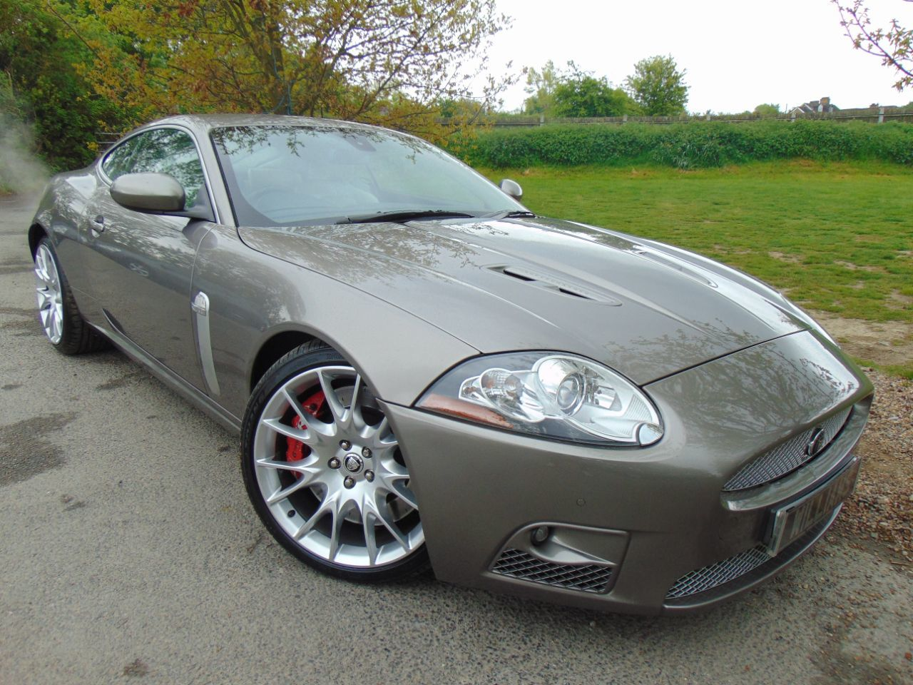 Jaguar Xkr 4.2 Supercharged V8 2dr Auto (Ivory Trim! Alpine Sound! ++) Coupe Petrol Winter Gold Pearl