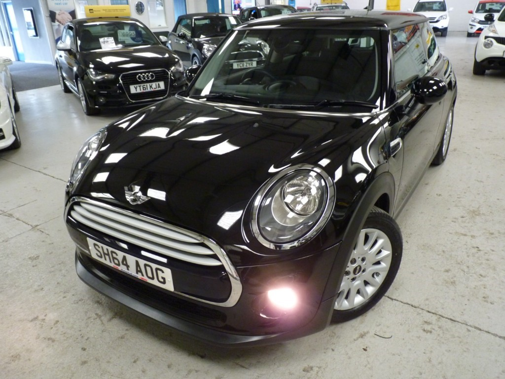 Mini Cooper Used Cooper 1.5 + £4000 Of Extras + Sat Nav + Chili Pack + Half Leather Sports Seats + Bt + 2 Keys