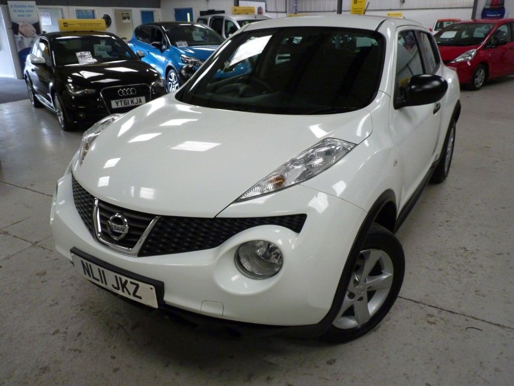 Nissan Juke Used Visia 1.6 + 5 Service Stamps + March 20 Mot + 2 Keys + Just Serviced