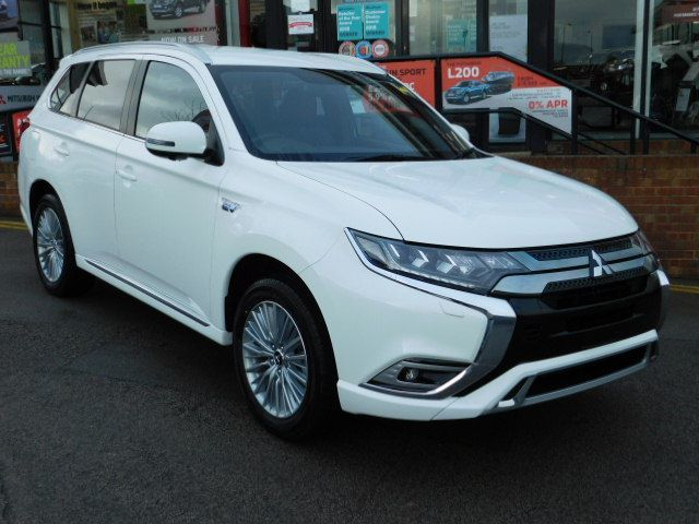 Mitsubishi Outlander 2.4 PHEV 4h 5dr Auto | Save £7,456 Against List Price Four Wheel Drive Hybrid Frost White