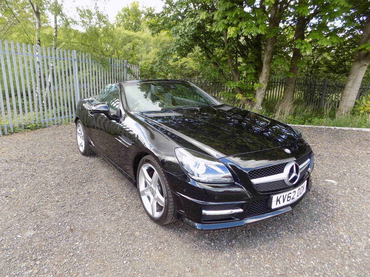 Mercedes-Benz SLK 3.5 SLK 350 BlueEFFICIENCY AMG Sport 2dr Tip Auto Convertible Petrol Black