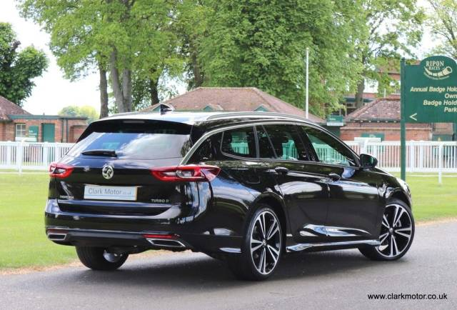 Vauxhall Insignia 2.0 TD BlueInjection SRi VX Line Nav Sport Tourer Auto (s/s) 5dr Estate Diesel Black
