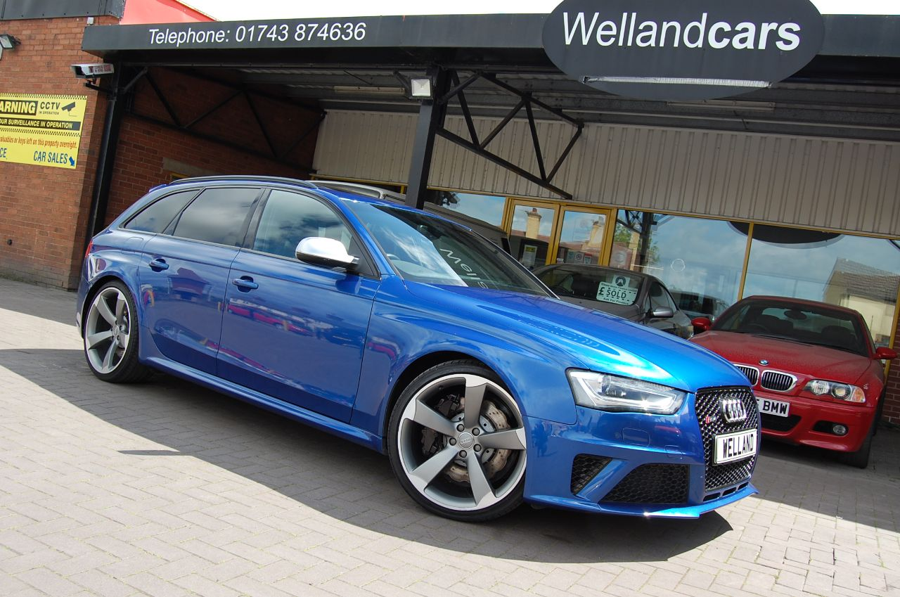 Audi RS4 4.2 TFSI AUTO QUATTRO ONLY 45,000 MILES HUGE SPECIFICATION Estate Petrol Blue at Welland Cars Shrewsbury