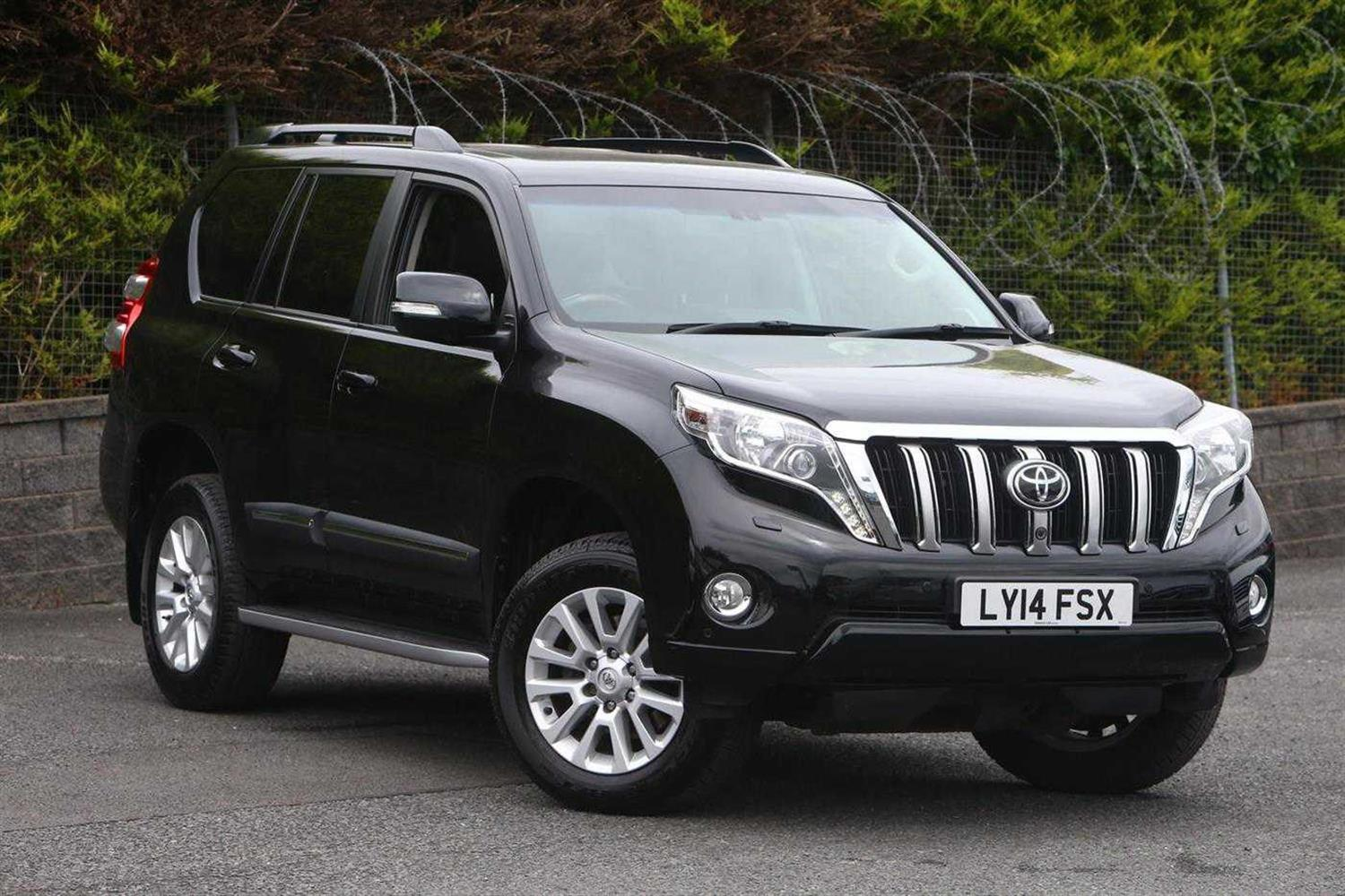 Toyota Land Cruiser 3.0 D-4D 4X4 Invincible Estate Diesel Black