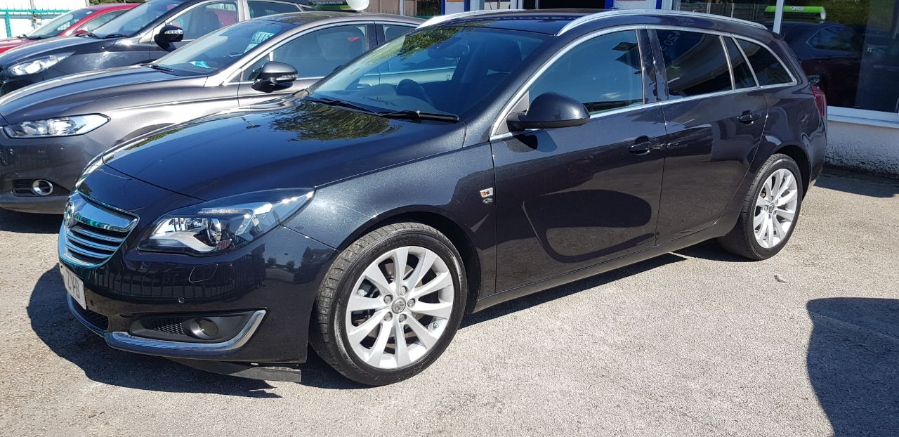 Vauxhall Insignia 2.0 CDTi [140] ecoFLEX Elite Nav 5dr [Start Stop] Estate Diesel Black at Glynn Andrews Widnes